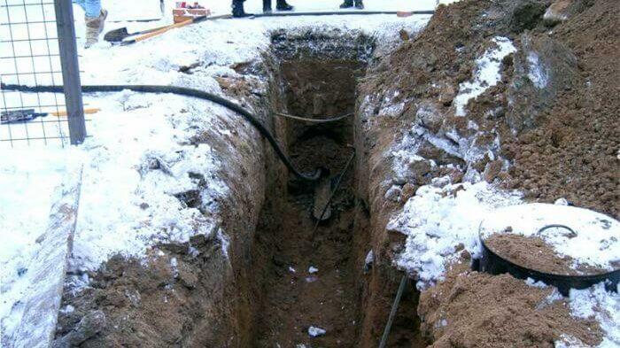 Бестраншейная прокладка водопровода зимой